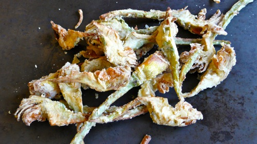 crunchy outside, tender inside, the taste of fried artichokes is unforgettable
