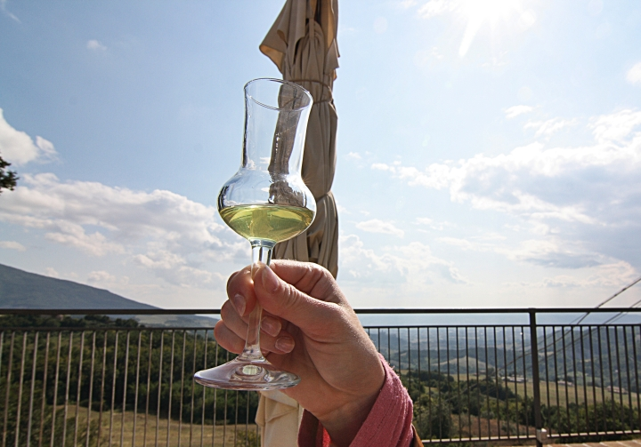 how to make authentic limoncello Italian recipe