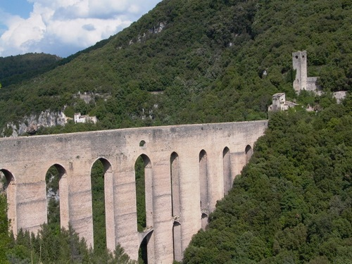the Ponte delle Torri in Spoleto, a massive aqueduct built in the XVI century