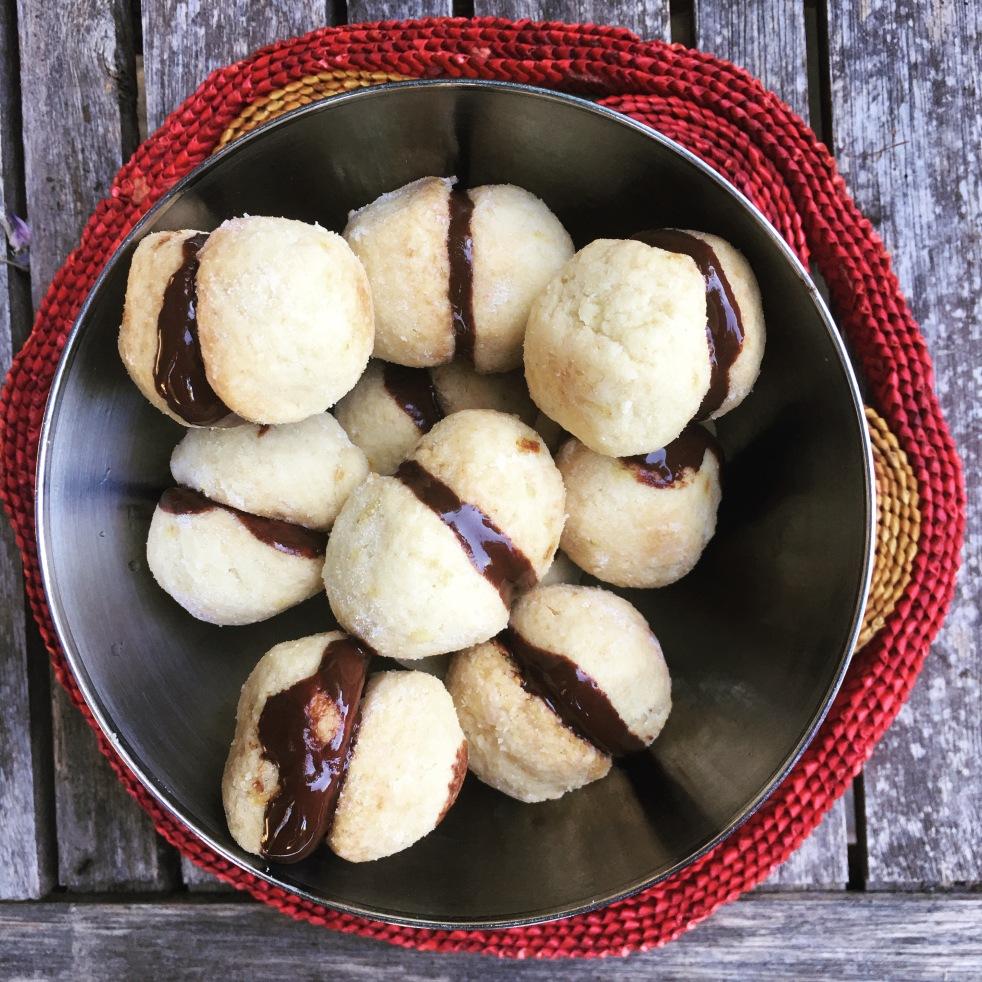 Italian baci di dama cookies recipe
